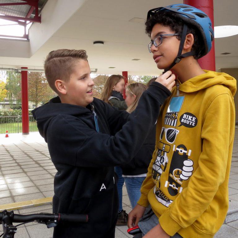 Mit Helm - aber sicher